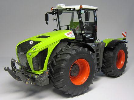1029-CLAAS-XERION-4000-VC-front-02.jpg